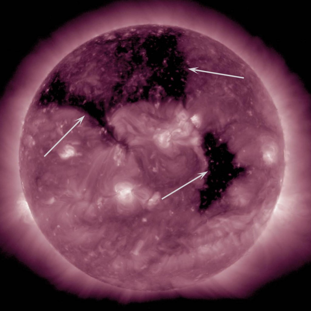 coronal_holes_aia211_arrows